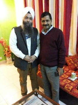Sikh Scholars, Former DGP Extend Their Support to AAP in Delhi