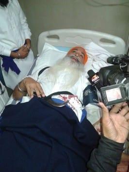 Akal Takhat Sahib Jathedar Meets Injured Singhs of Jodhpur Clash