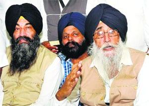 Simranjit Singh Mann: Sikhs Will Bow Their Heads to Guru Sahib, Not to Modi