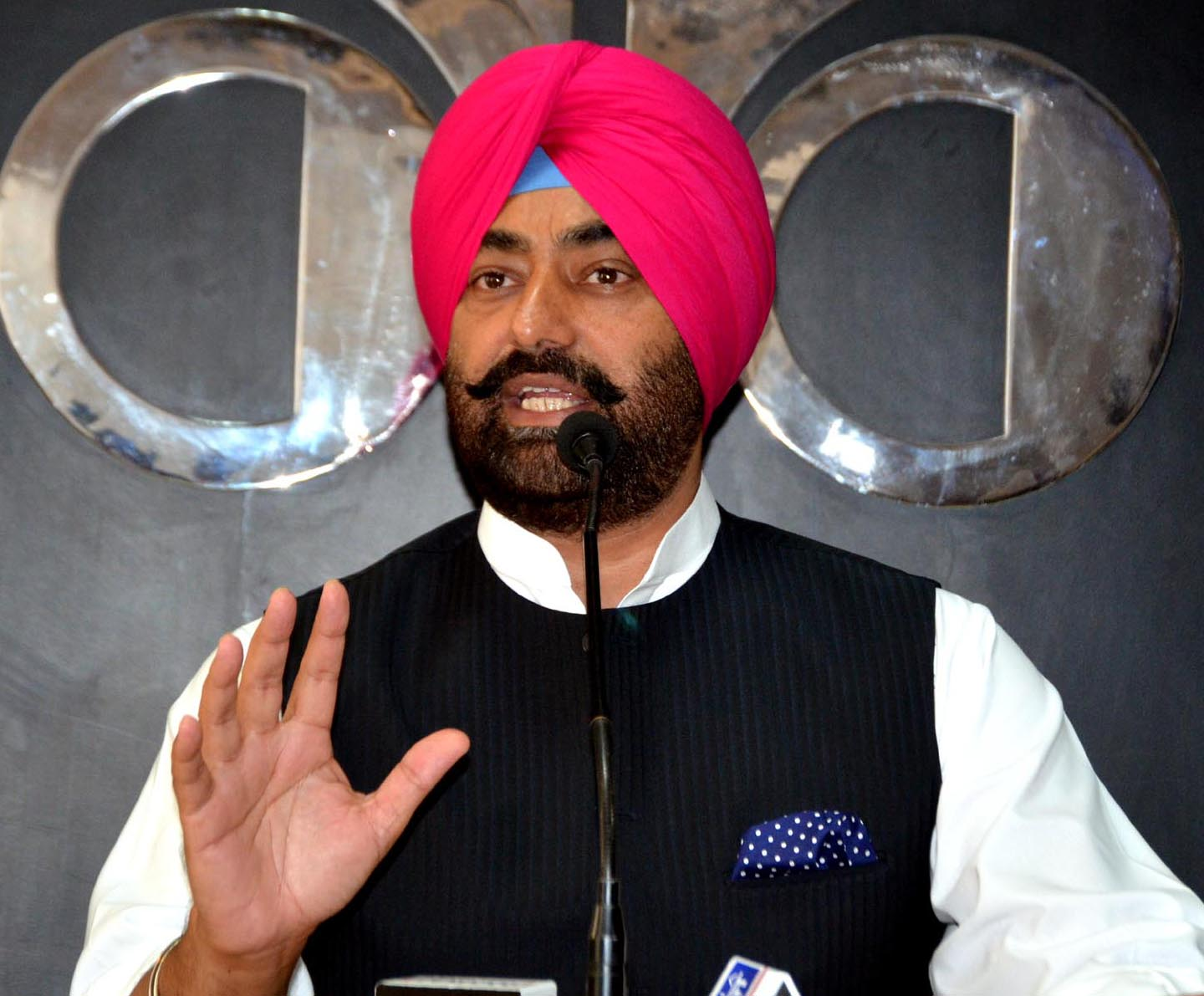 AAP holds protest, demands sacking minister Rana Gurjit Singh