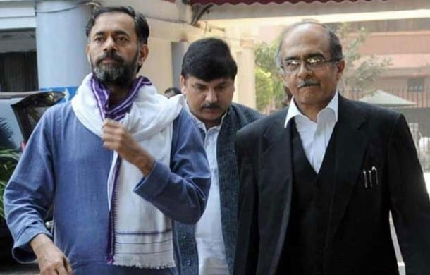 Yogendra Yadav and Parshant Bhushan expelled from PAC of AAP