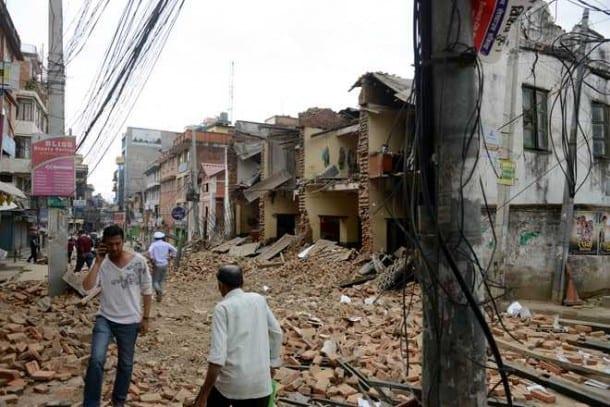 BREAKING: Sikhs Start Humanitarian Work in Earthquake-hit Nepal