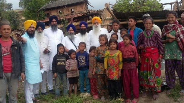 """Sikh Leaders from """"Golden Temple"""" Darbar Sahib Reach Nepal for Relief Work"""