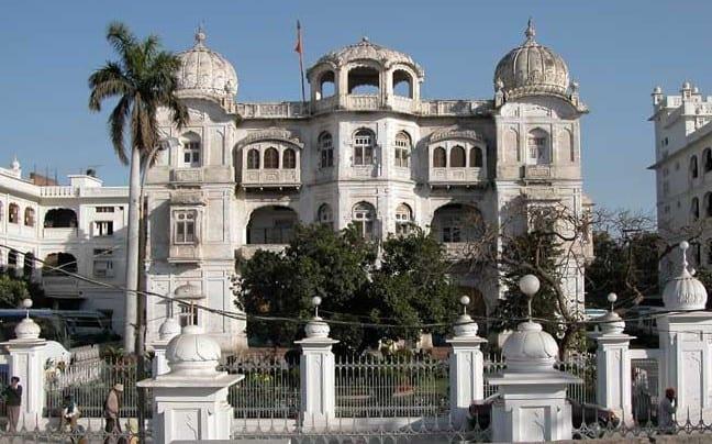 Image result for Shiromani Gurdwara Parbandhak Committee gate