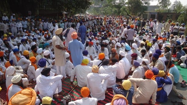 Dharna on National Highway at village Rasool pur nehran, 5 km from Tarn Taran. Congress leader Harminder Singh Gill and other prominent Sikh hardliner leaders were also present here.
