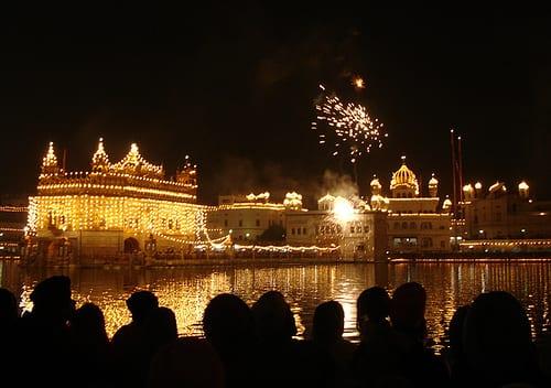 Bandi Shorr (Diwali) Celebrations at Sri Darbar Sahib