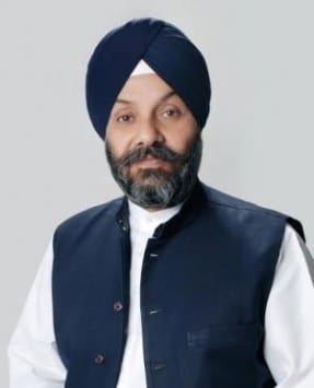 DSGMC Seeks Permission from Akal Takht for Printing of Guru Granth Sahib in Canada and London
