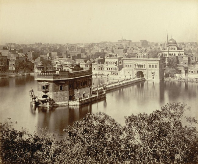 rare-old-photograph-of-golden-temple